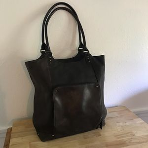 """HUGE Leather 16"""" Bucket Tote - Perfect for travel!"""